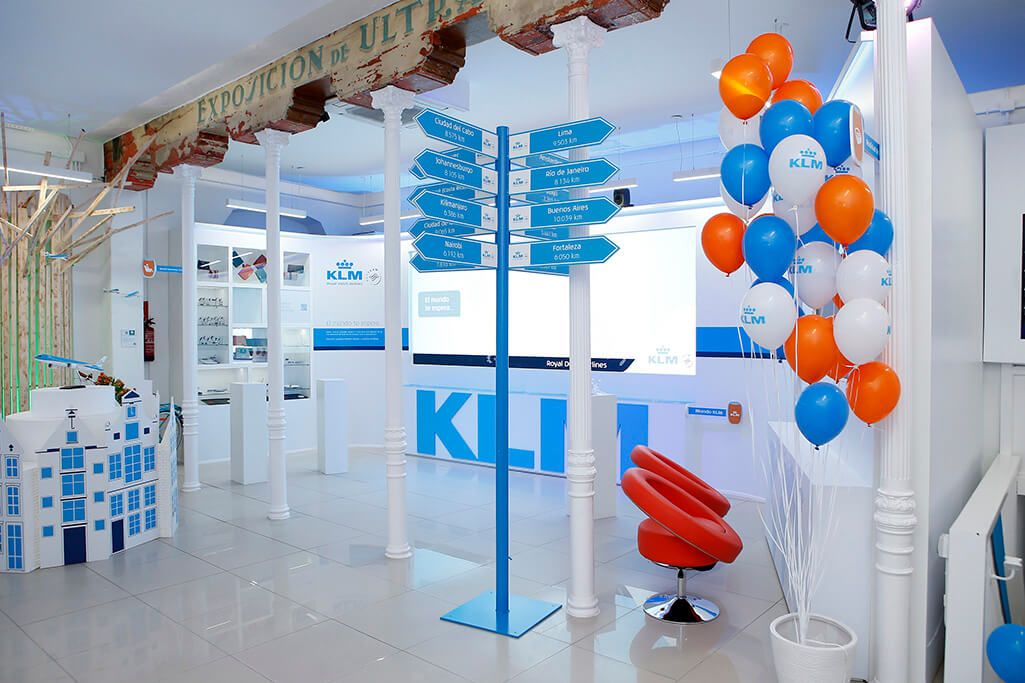 POP UP KLM: INSTALACIONES Y MONTAJE