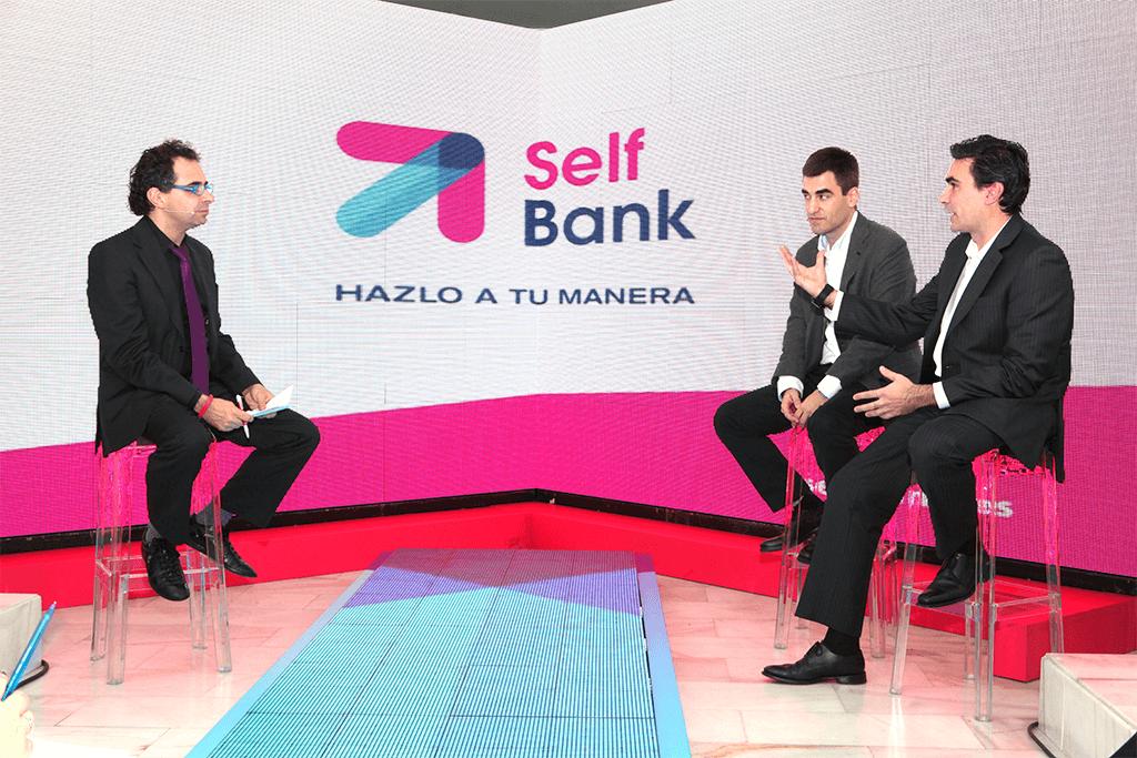 PRESENTACIÓN A PRENSA SELF BANK: COLOQUIO