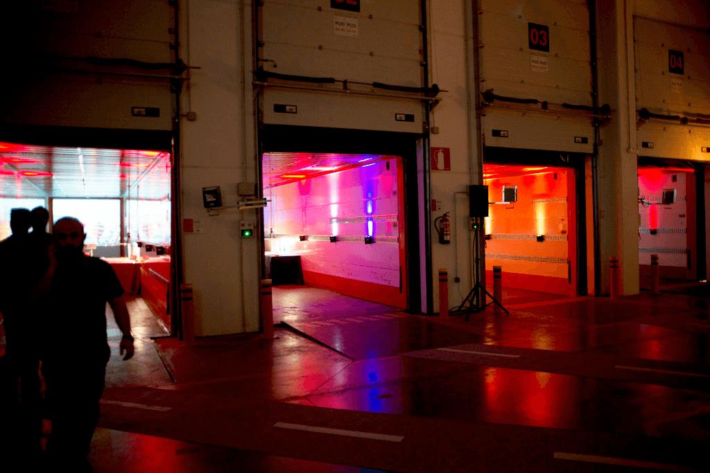 Inauguración de la nueva, mayor y más tecnológica planta de TNT, una de las multinacionales de logística líderes en el mundo: Montaje Fábrica